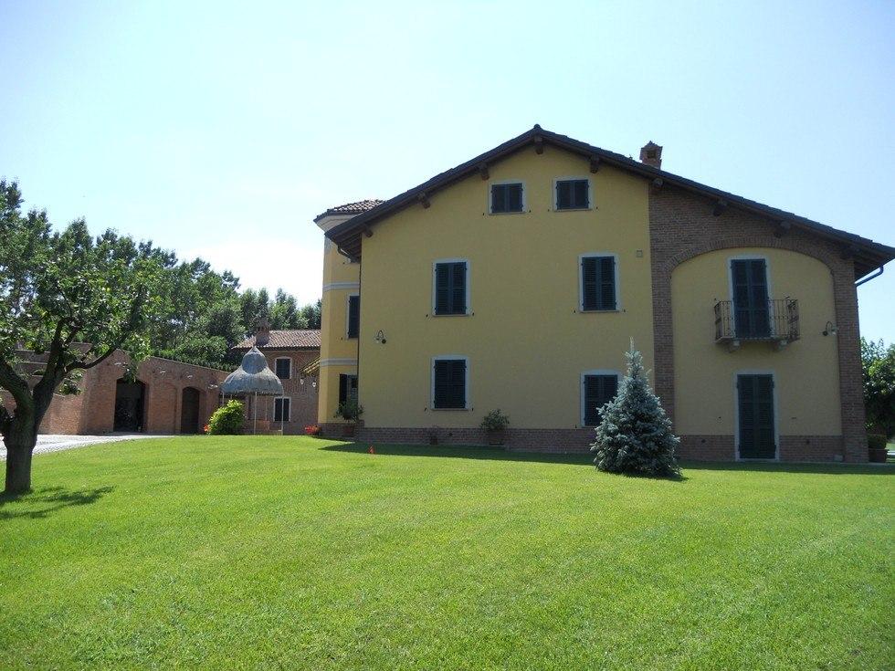 Sistemazione del giardino della villa